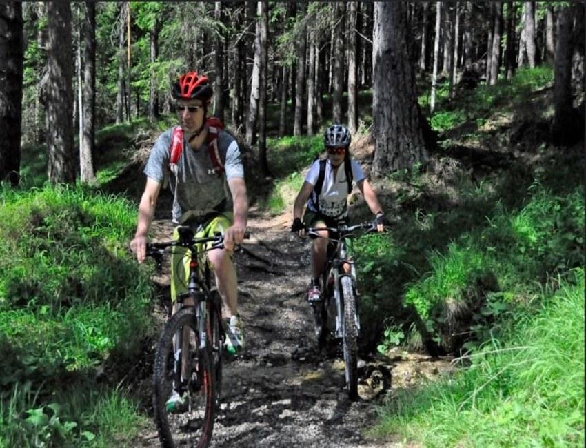 Andare in bici sulle Dolomiti