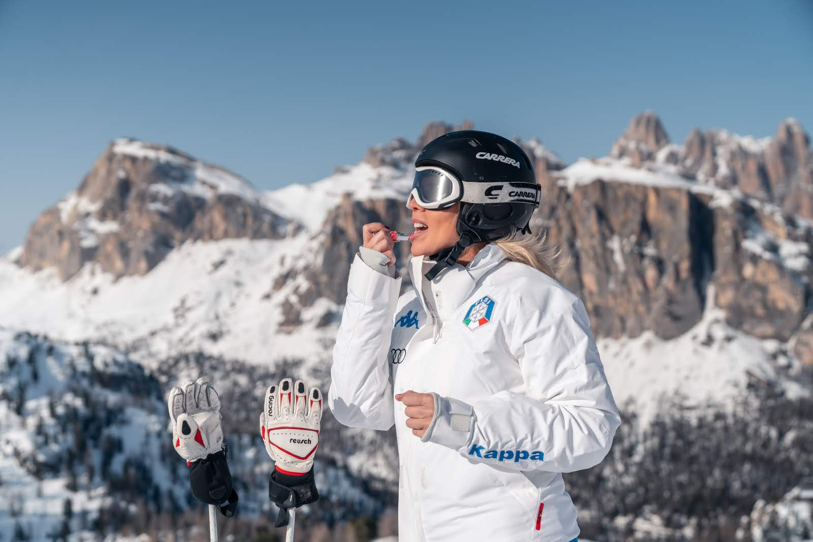The Locandiera Elisabetta Dotto of Hotel Ambra Cortina tells us about the latest fashion trends for skiing in Cortina